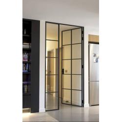 Kyvné dvere so sklenenou...