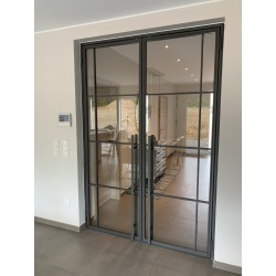 Ocelové dvojkrídlé dvere...