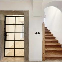 Otvíravé dvere so sklenenou...