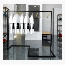 Oceľový vešiak do obchodov a šatní model 2
