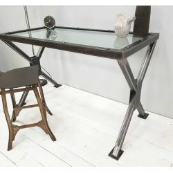 Pracovný stôl z ocele so sklom Chicago